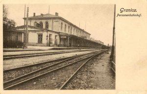 Stare zdjecie dworca kolejowego w maczkach