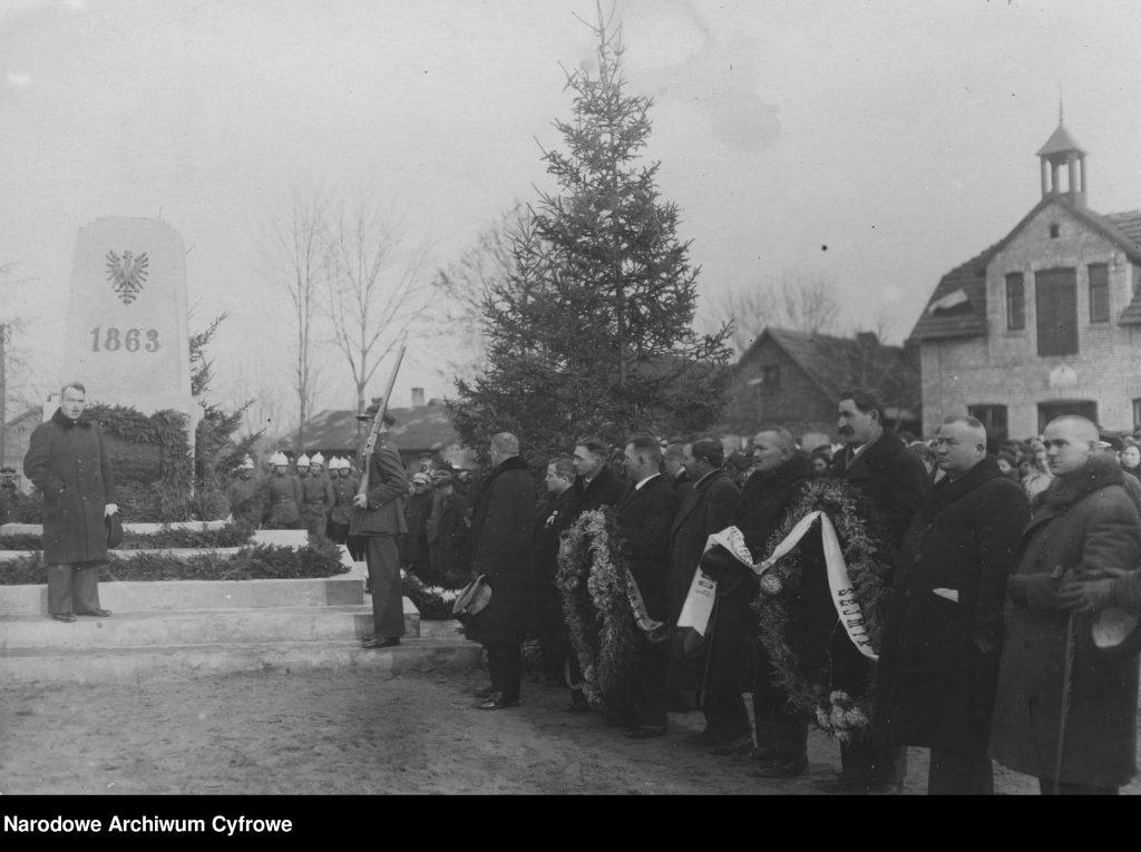 Odsłonięcie pomnika na cześć powstańców 1863 roku, Mrzygłód 11 listopad 1933 roku